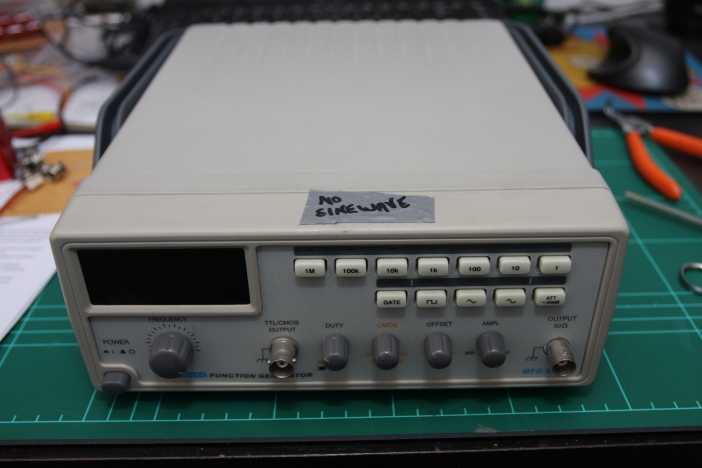 faulty Matrix MFG-8216A function generator