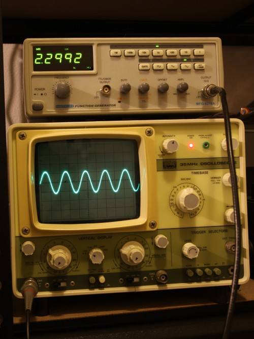 Matrix MFG-8216A sine wave output.