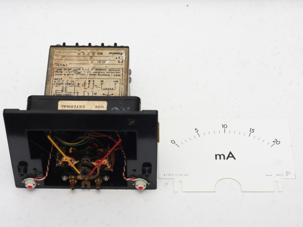 img_5271_panel_meter_scale_removed